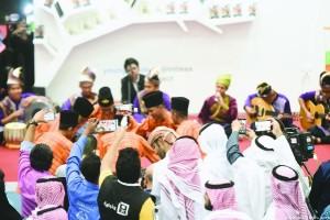 الركن الماليزي قدم عروضا فنية وفلكلورية
